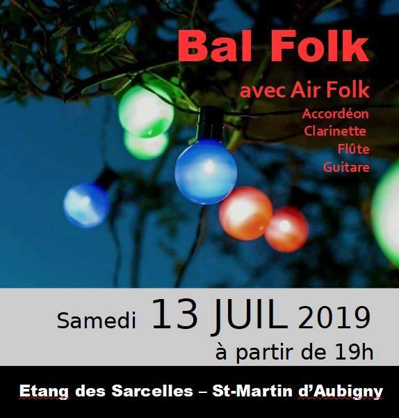 Bal folk à Saint-Martin-d'Aubigny